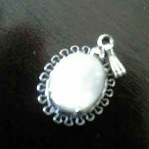 Jewelry - Vintage sterling pendant